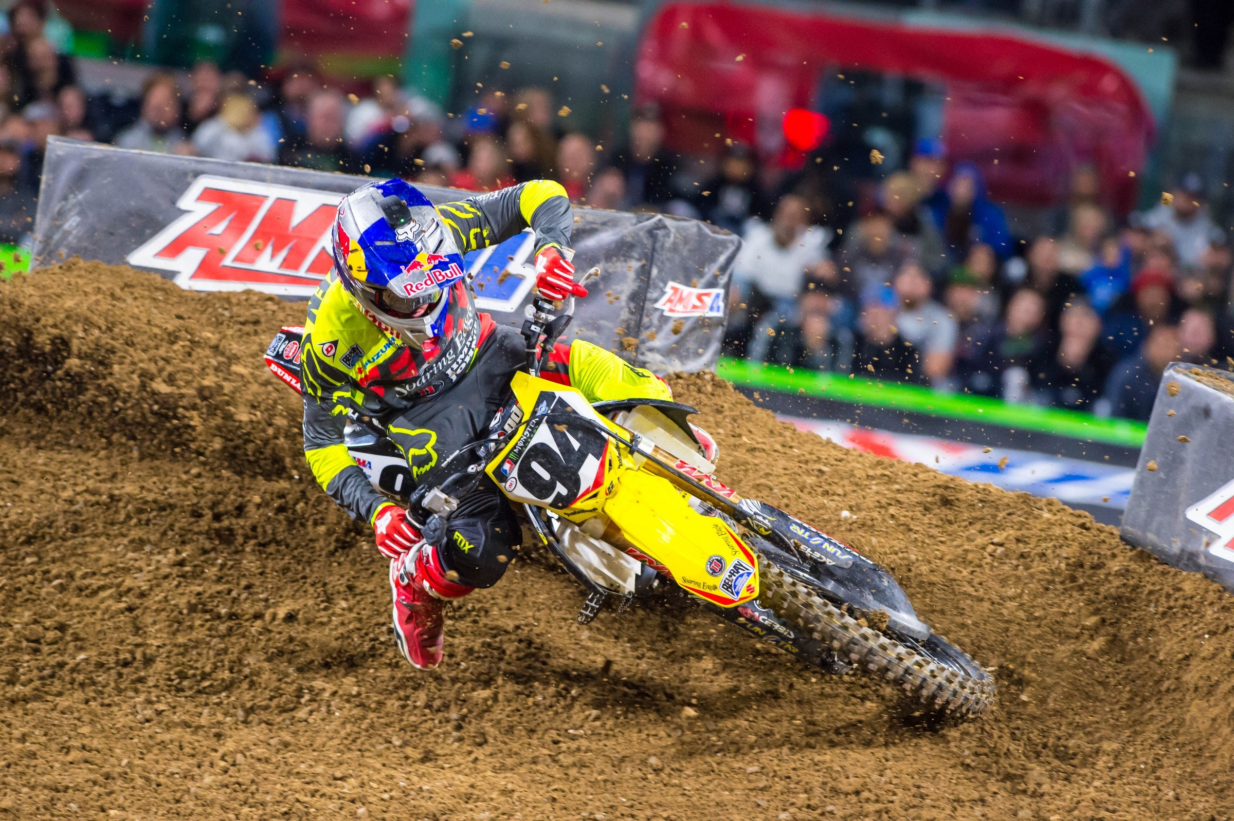 Roczen went off the track before he could fight for the SD1 win. Now he's coming in with a little momentum, and he needs it to catch Dungey in points.