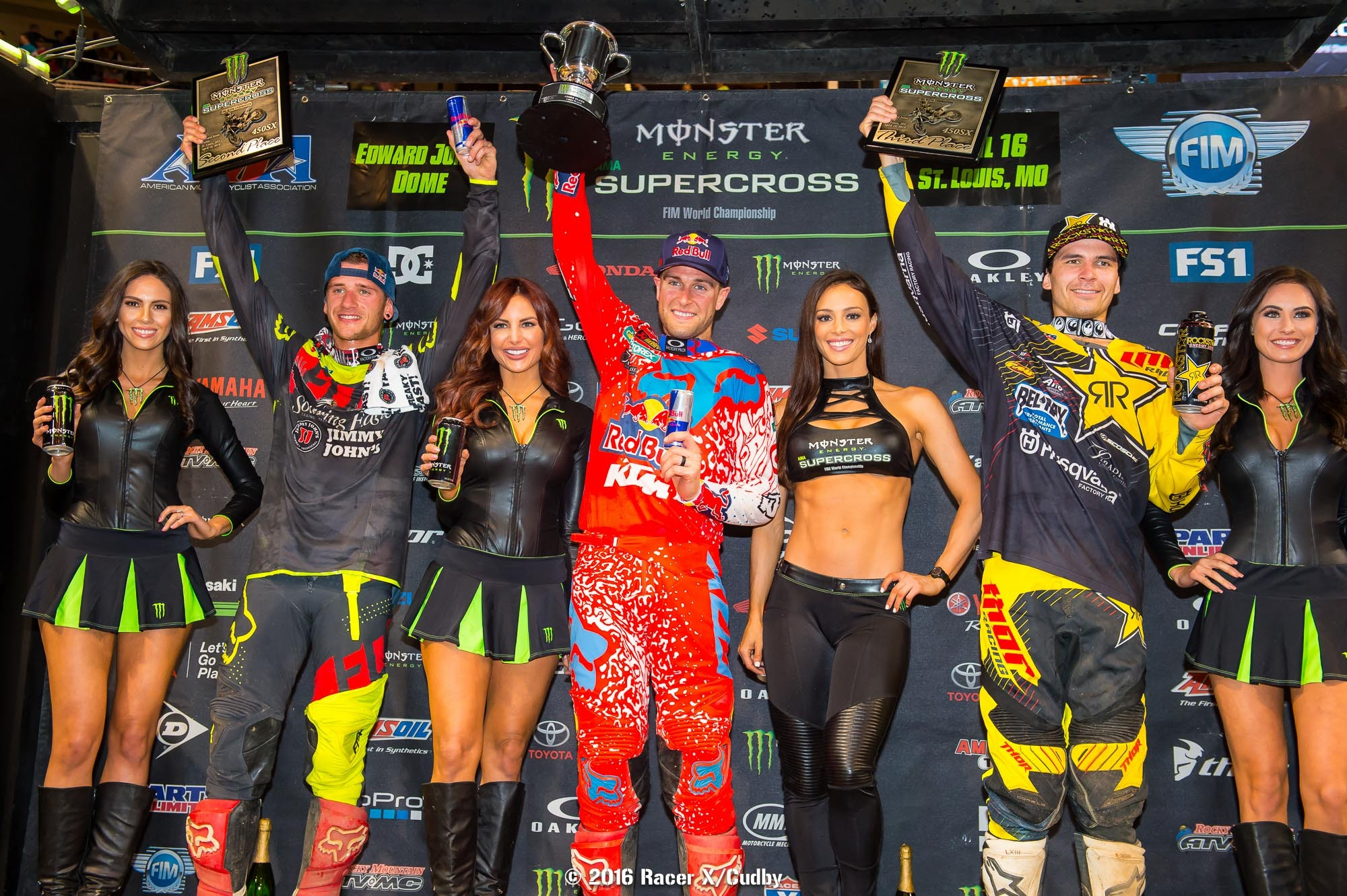 If Dungey puts two more points on Roczen next week the championship is his.