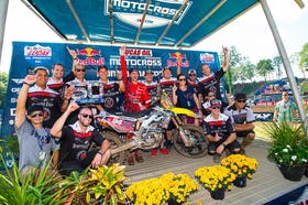 Roczen and his team celebrate another 1-1 day.