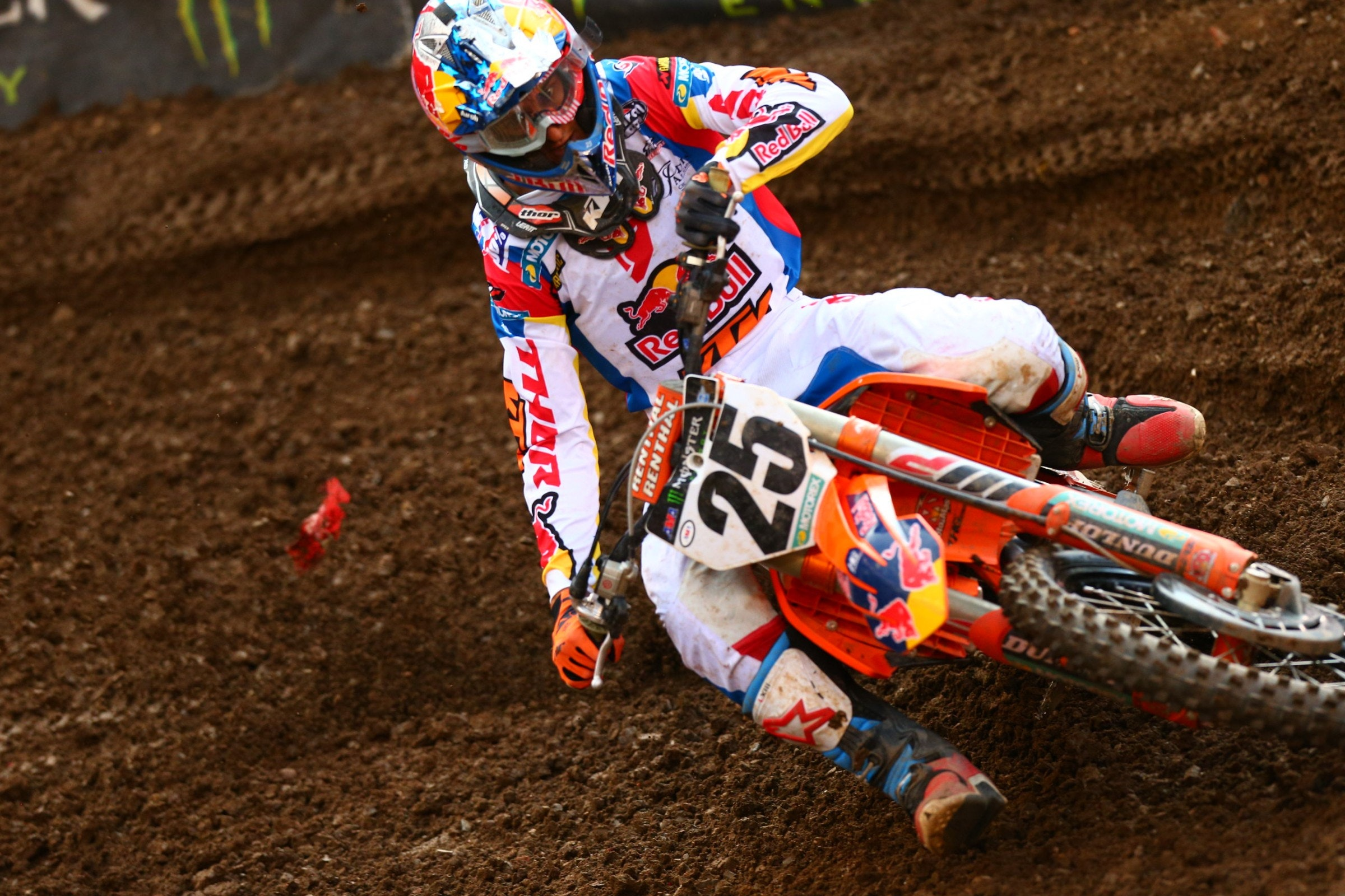 Musquin led the race from the 10 minute mark up until the very last lap.