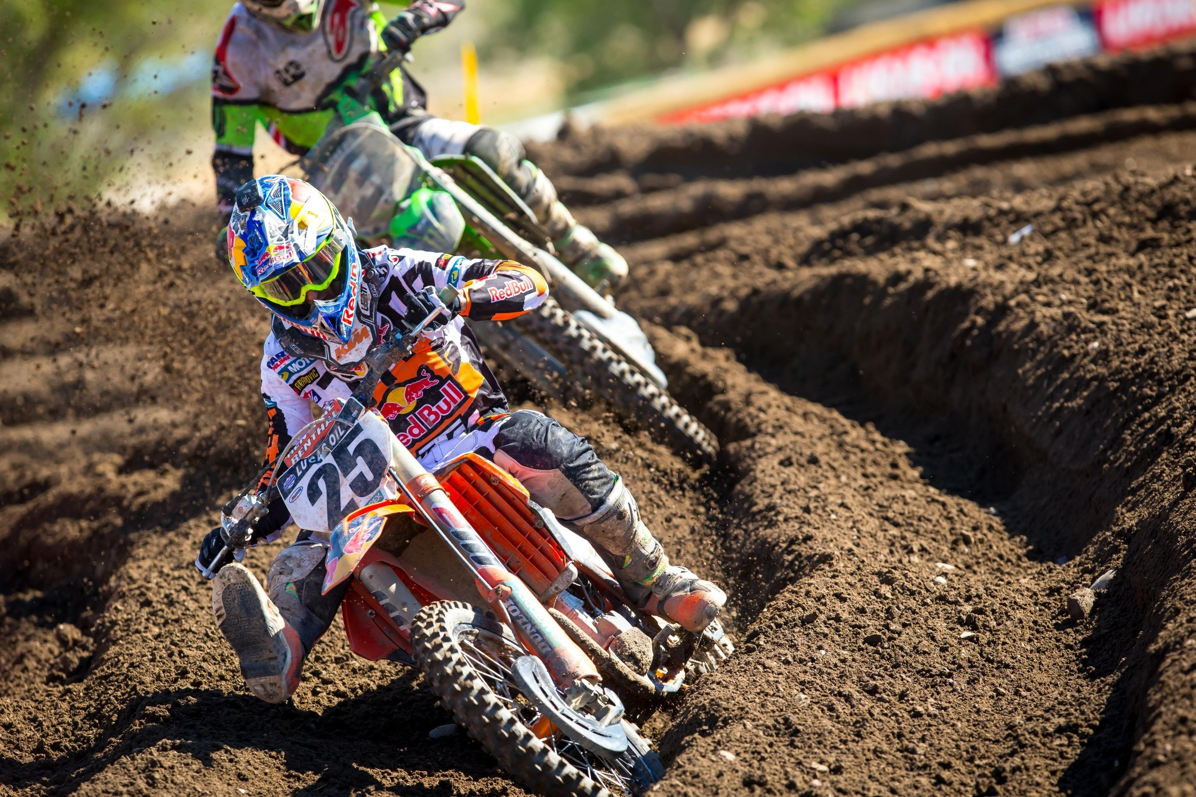 The battle between Tomac and Musquin was fantastic, lasting several laps.