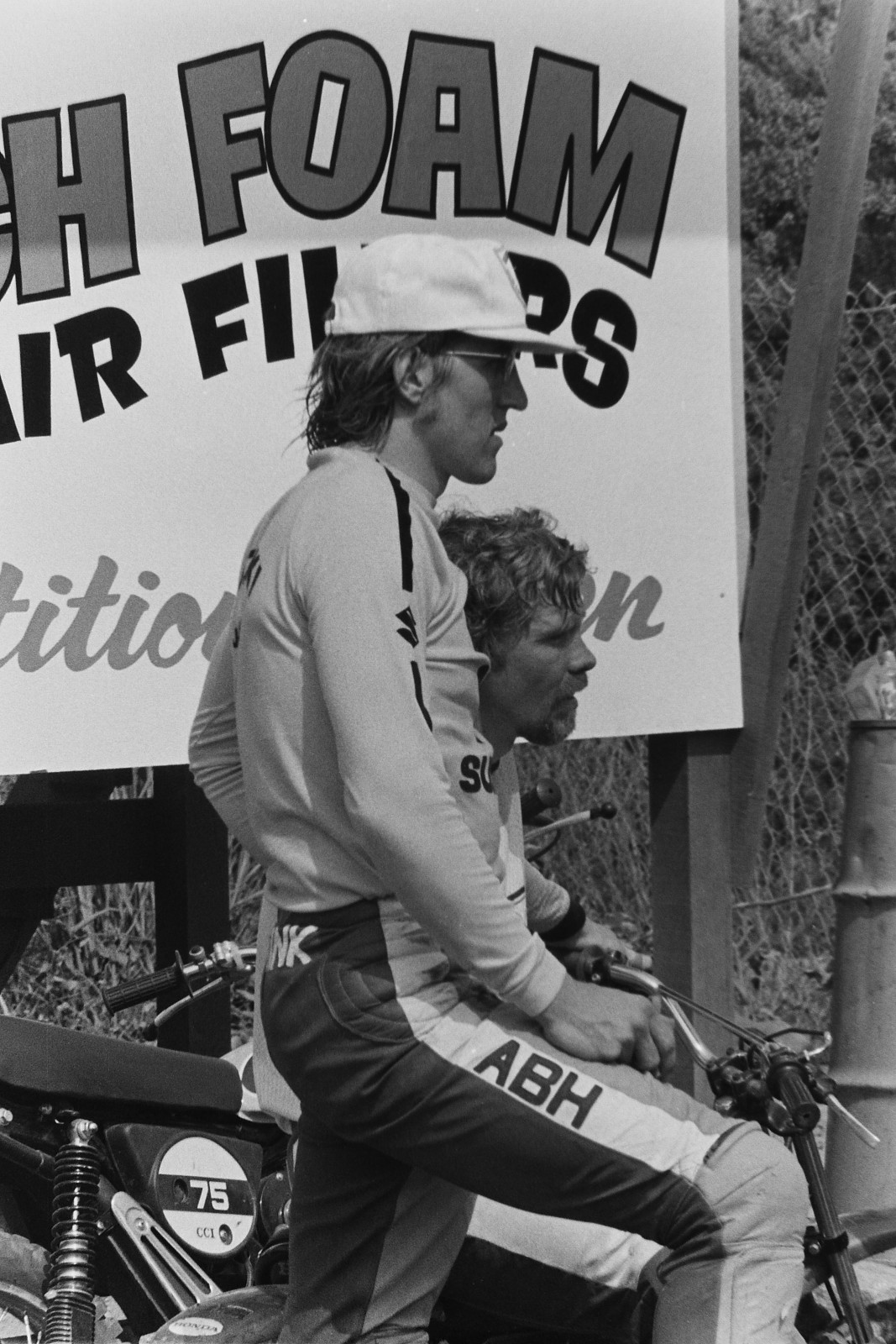 Wolsink and Mikkola during the riders meeting.