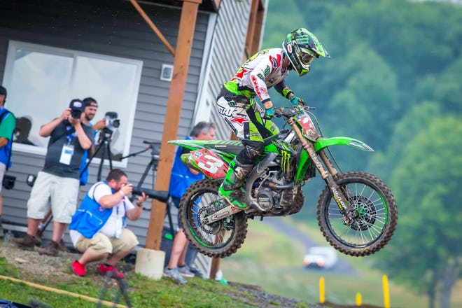 10-5 scores didn't make for Tomac's best day, but he holds a 27 point lead on Baggett and 31 on Musquin.