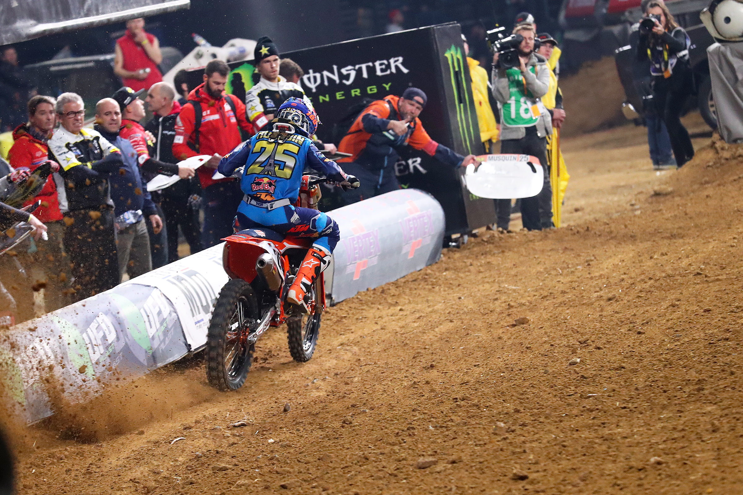 Musquin won the first night in Paris.