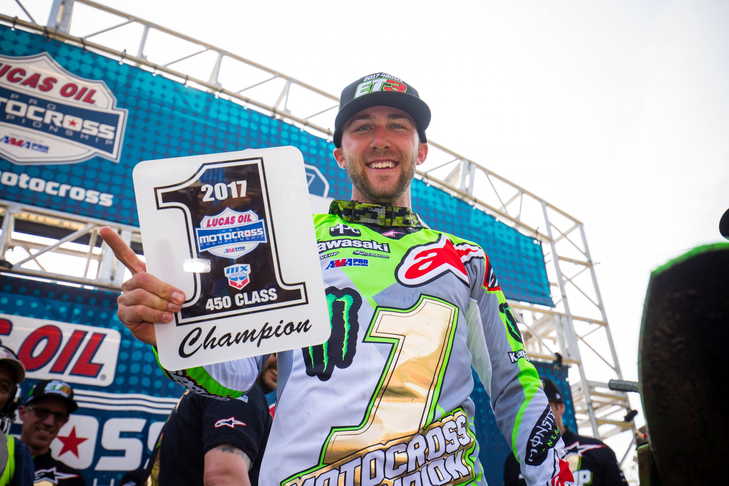 Tomac won the 2017 Lucas Oil Pro Motocross Championship with a 17-point lead.