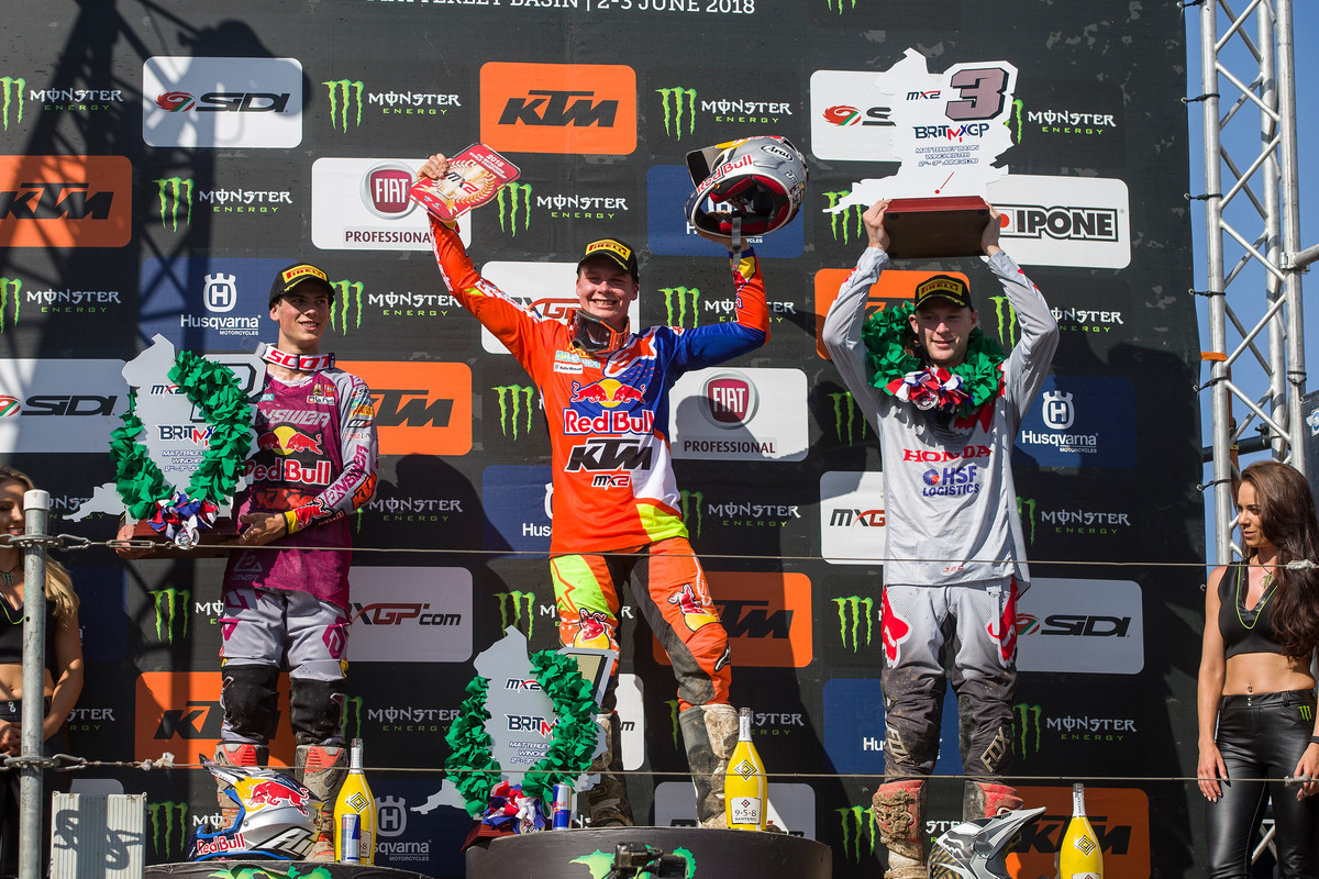 Jonass (center) won both motos on Saturday.