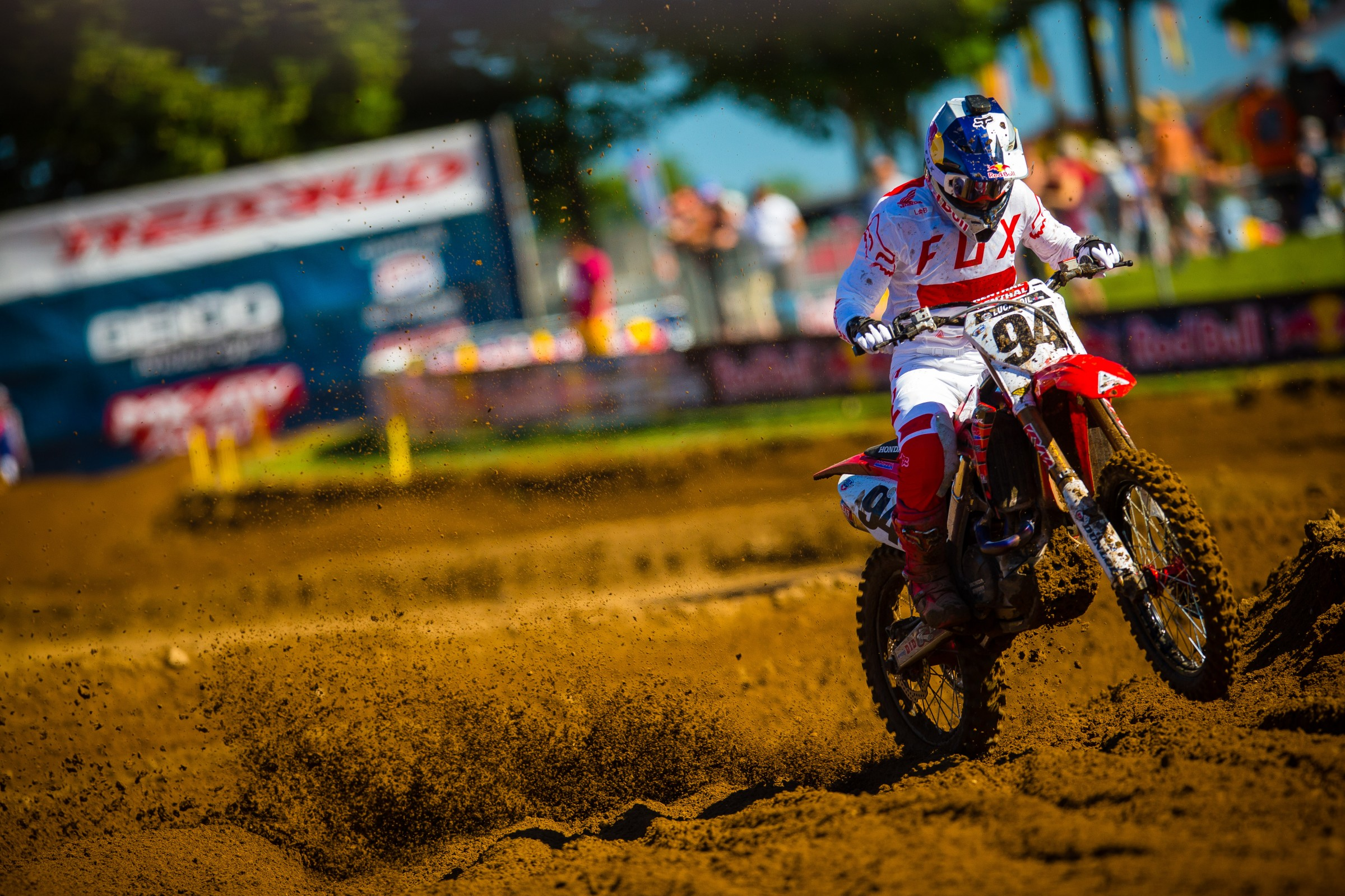 Roczen took his first outdoor moto win in two years, taking second place overall at round seven.