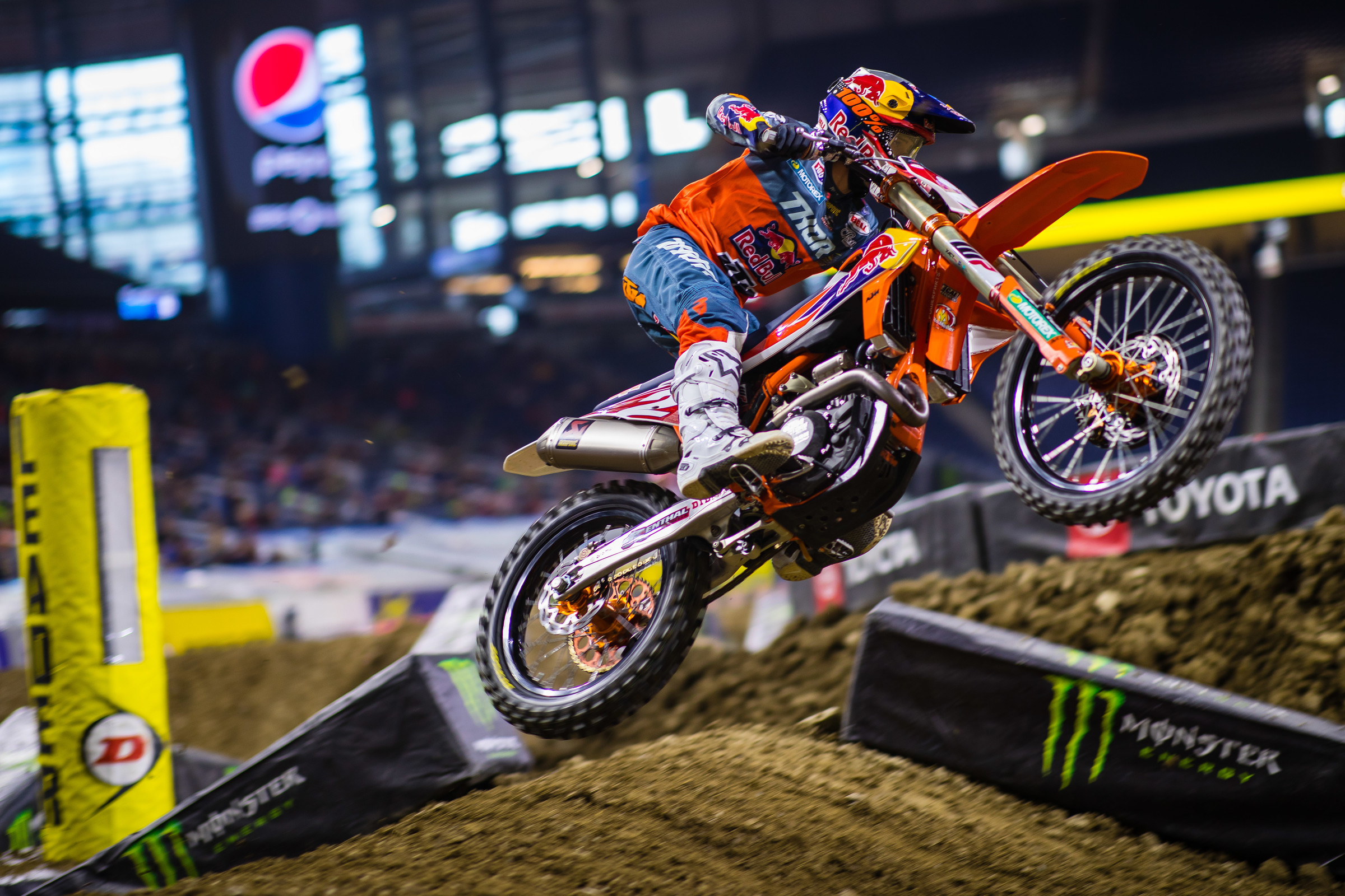 Cooper Webb got better as the night went on, going 6-2-1 on the night, but wasn't able to beat Tomac's 1-1-6.