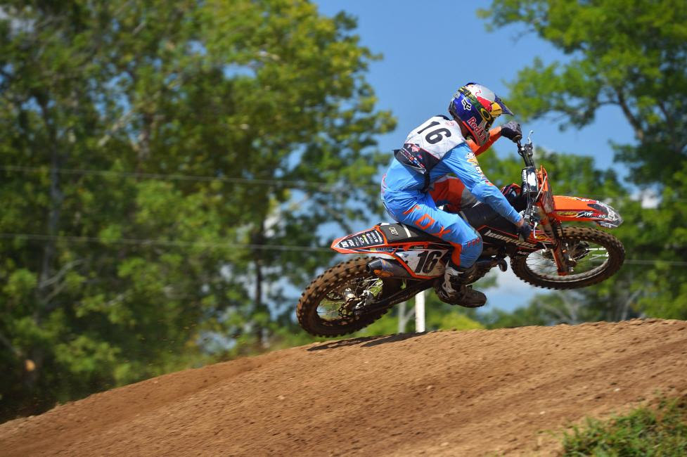 Enzo Lopes finished a hard fought second place in the second moto of 250 A.