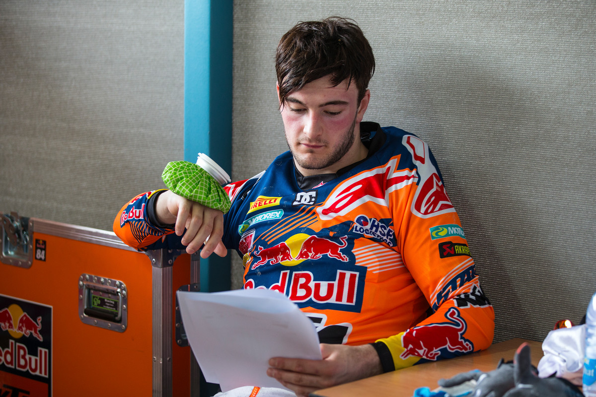Herlings struggled at the beginning of the MXGP season due to a hand injury.