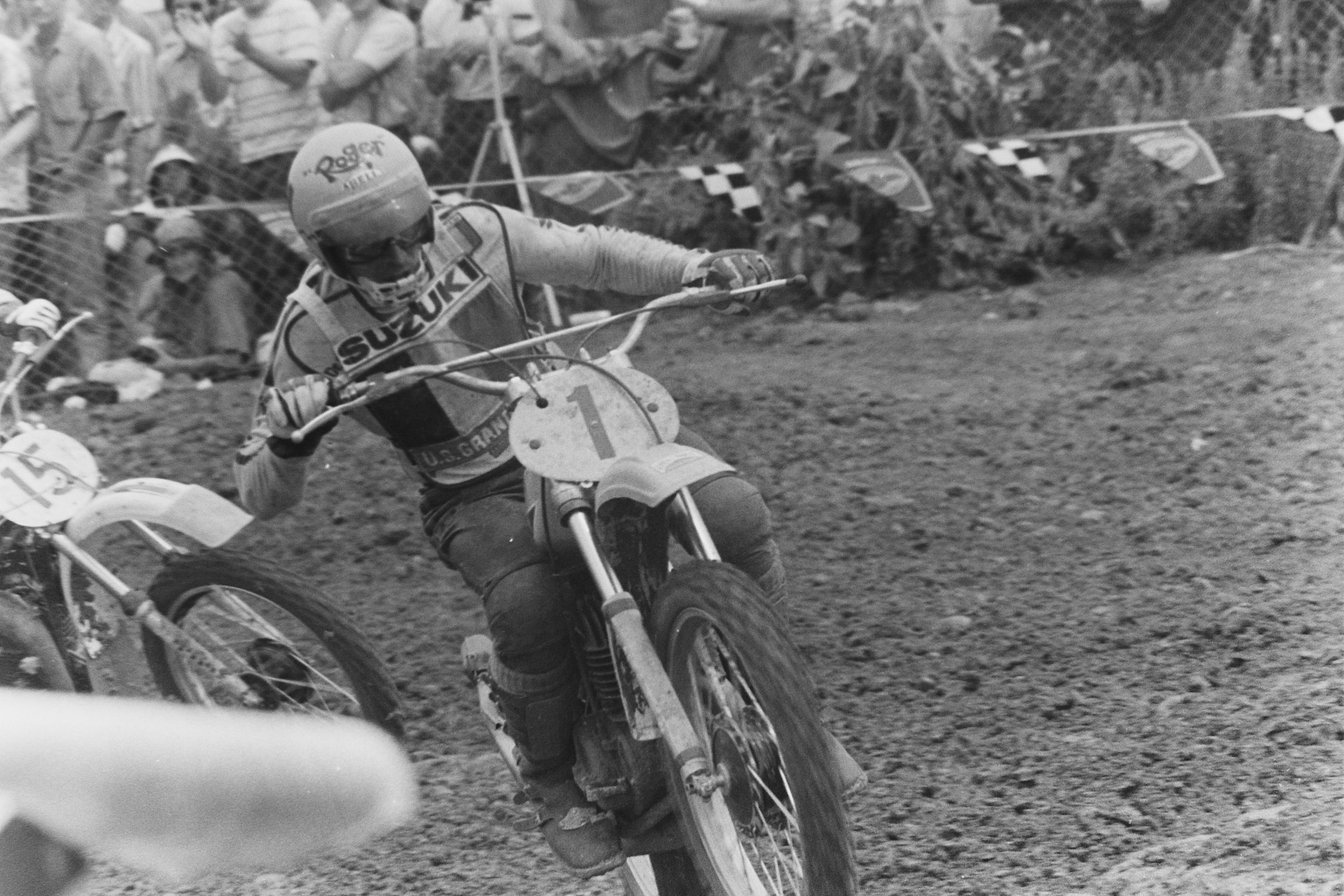 DeCoster won the first moto and gained valuable championship points on fourth place Heikki Mikkola.