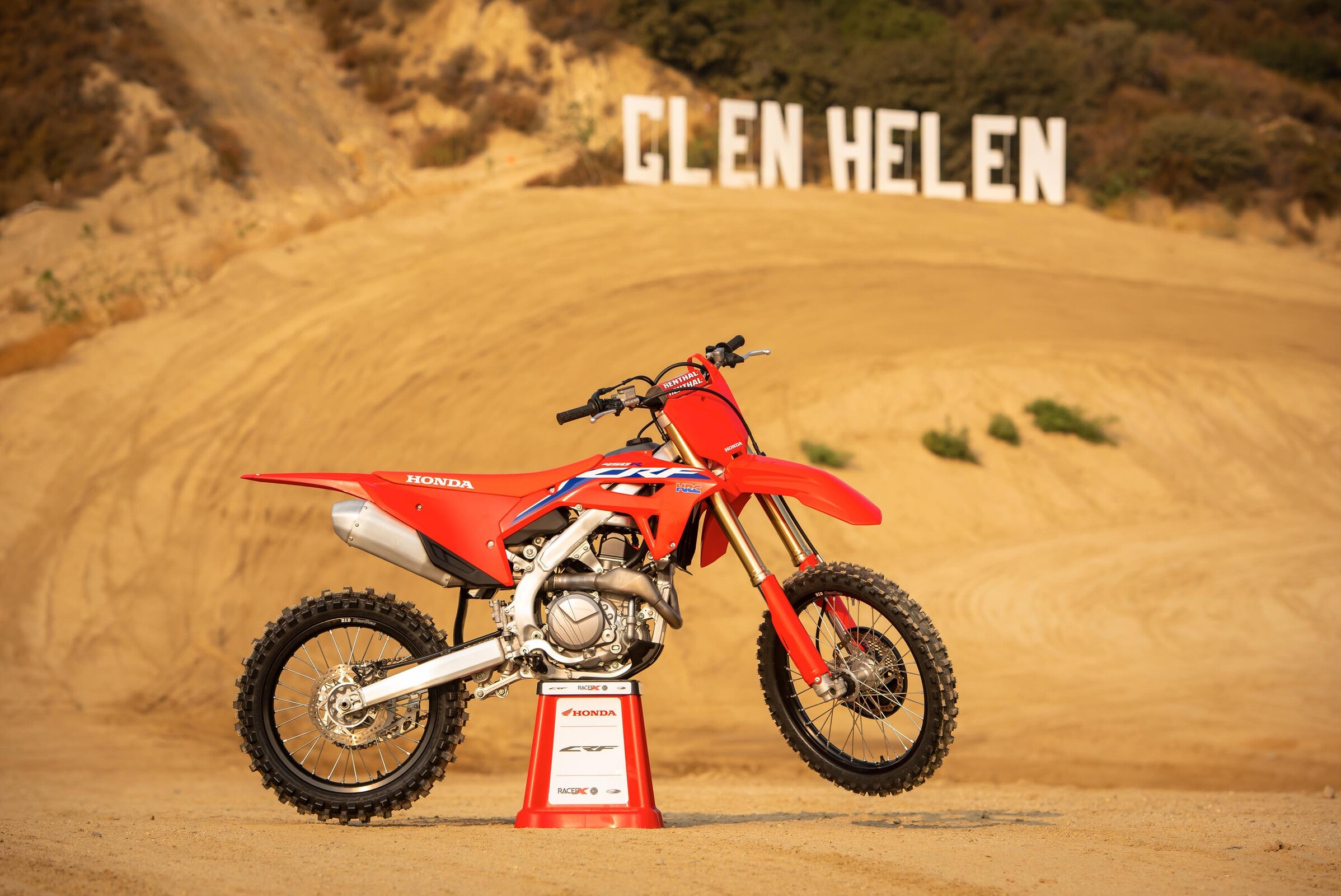 all-new 2021 honda crf450r bike introduction video - racer