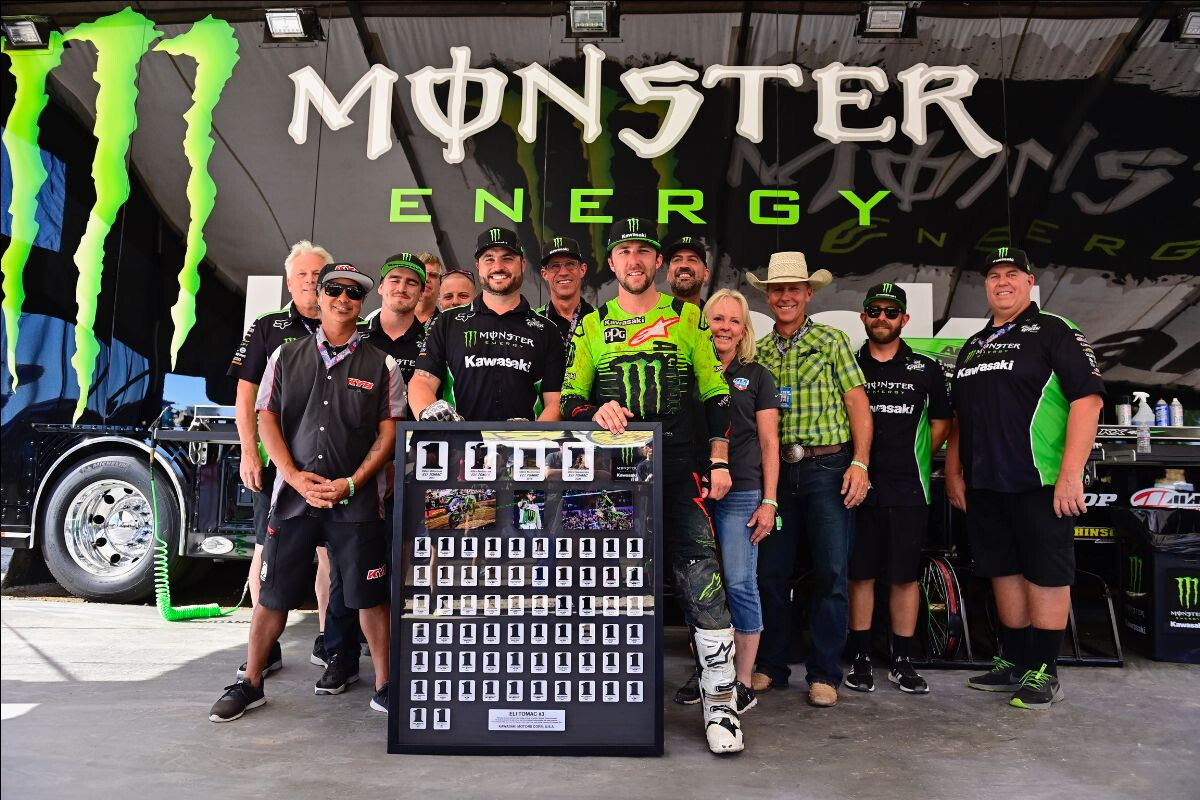 Eli Tomac with the Monster Energy Kawasaki crew after his final race with the team.